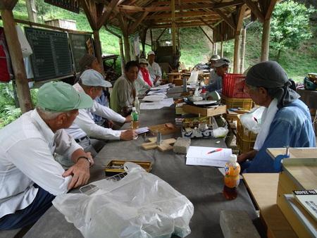 会員全員で孝子の森散策_c0108460_20275573.jpg