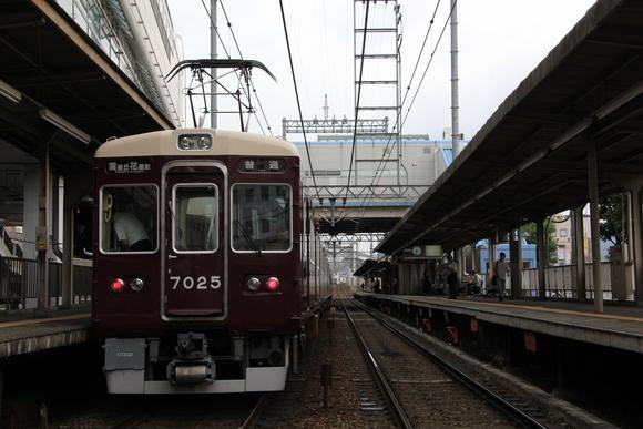 阪急7025F 営業運転復帰_d0202264_18442311.jpg
