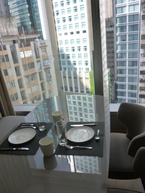 香港の宿は上環が狙い目かも。_b0210699_19351392.jpg