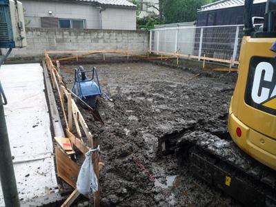 コンクリート基礎が出来るまで_a0148909_10493591.jpg