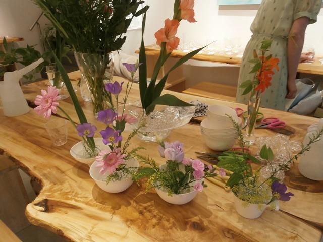 花を生ける。花を活かす。花を遊ぶ。_a0254818_16344194.jpg