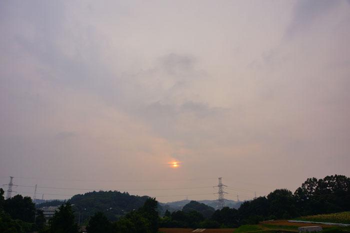 雷鳴聞こえる夕_e0077521_22125566.jpg