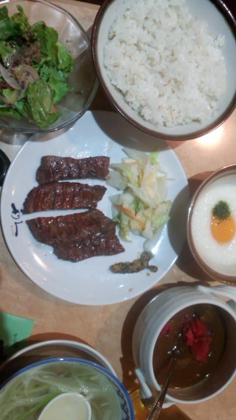 牛タン『利久』食べましたぁ_e0114246_6125100.jpg