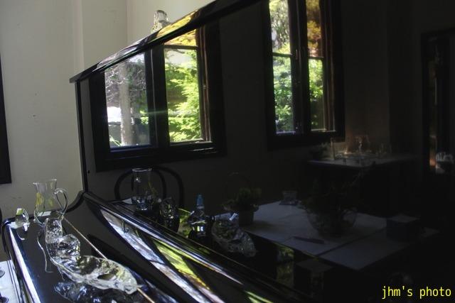 透き通る光とガラス模様_a0158797_0474353.jpg