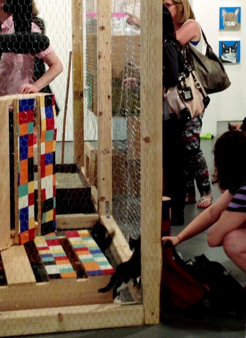 猫好きにオススメのアート展示会「The Cat Show」がチェルシーのギャラリーで開催中_b0007805_12281823.jpg