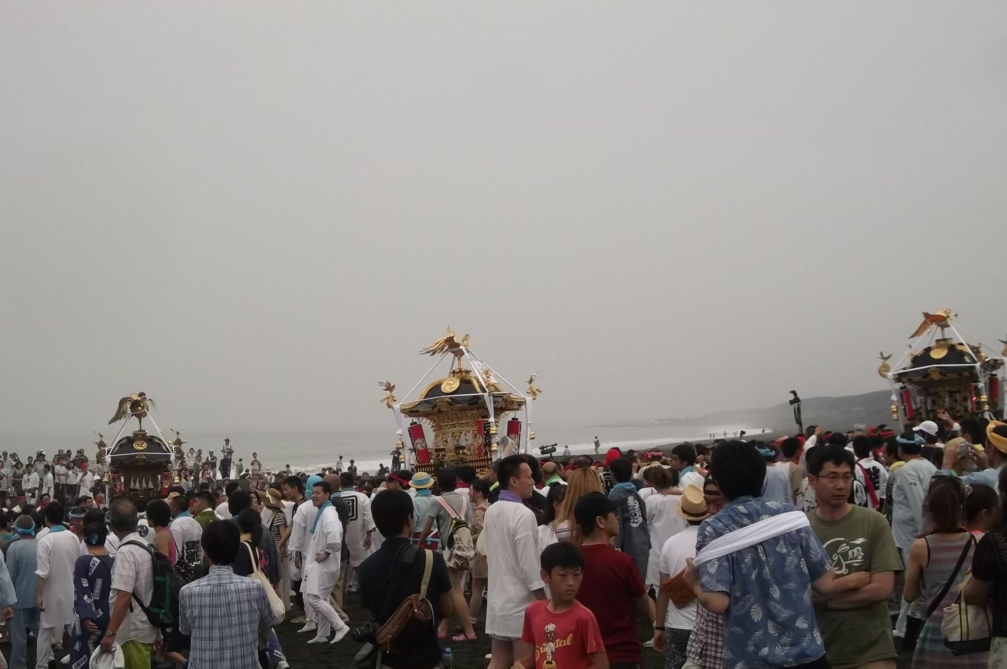 湘南の夏祭り,,,,浜降り祭_b0137932_13362028.jpg