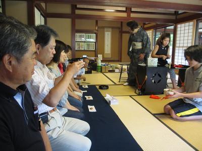 子供茶会とお客(観光の)様_f0289632_9291153.jpg