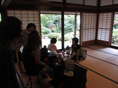 子供茶会とお客(観光の)様_f0289632_9312612.jpg