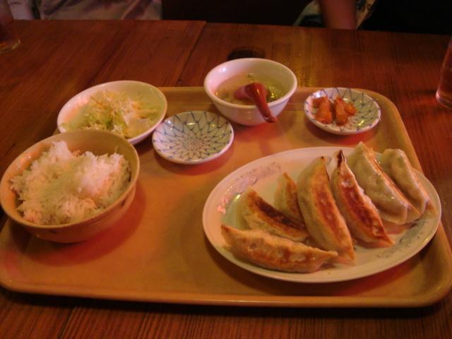 東新宿「餃子市」へ行く。_f0232060_1554813.jpg
