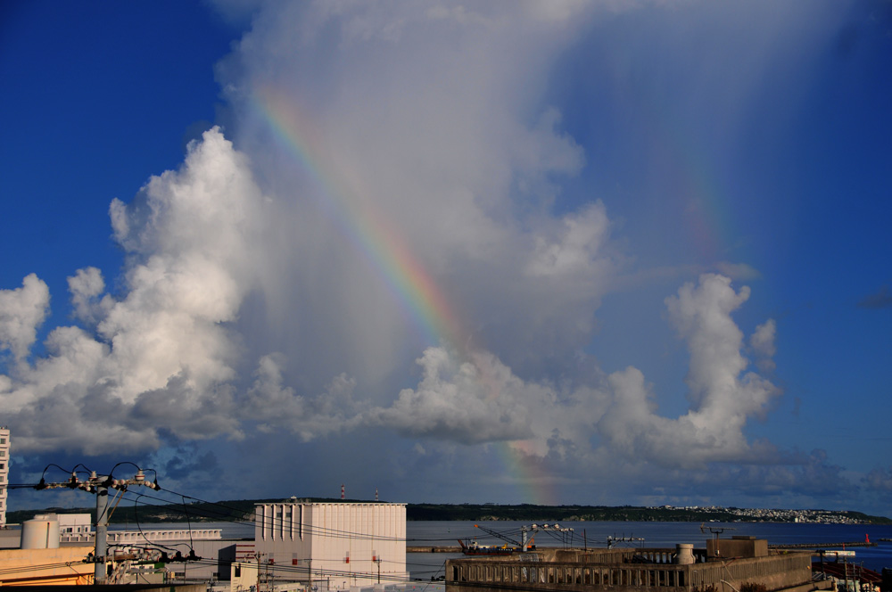 伊良部島上空の虹_e0004009_1451437.jpg