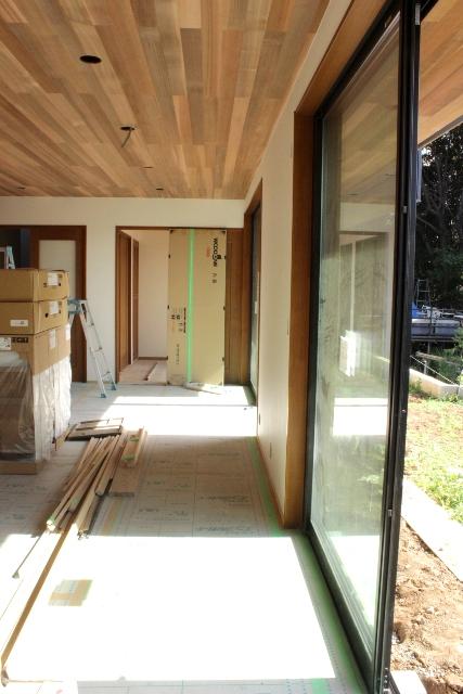 「緑豊かな高台に建つ二世帯住宅」景色との調和_f0170331_1818934.jpg