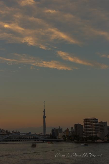 風景の写真 夕暮れ前の空景色_b0133053_036526.jpg