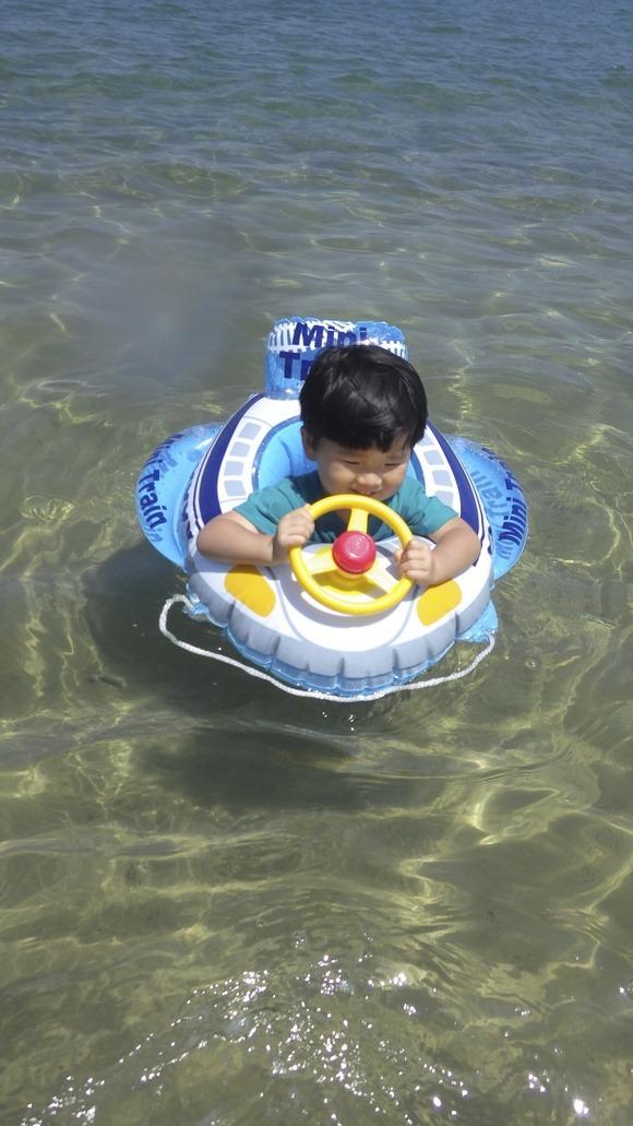 ちょっと島を出て海水浴へ〜♪_f0201157_2044697.jpg