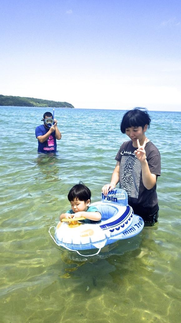ちょっと島を出て海水浴へ〜♪_f0201157_2046420.jpg