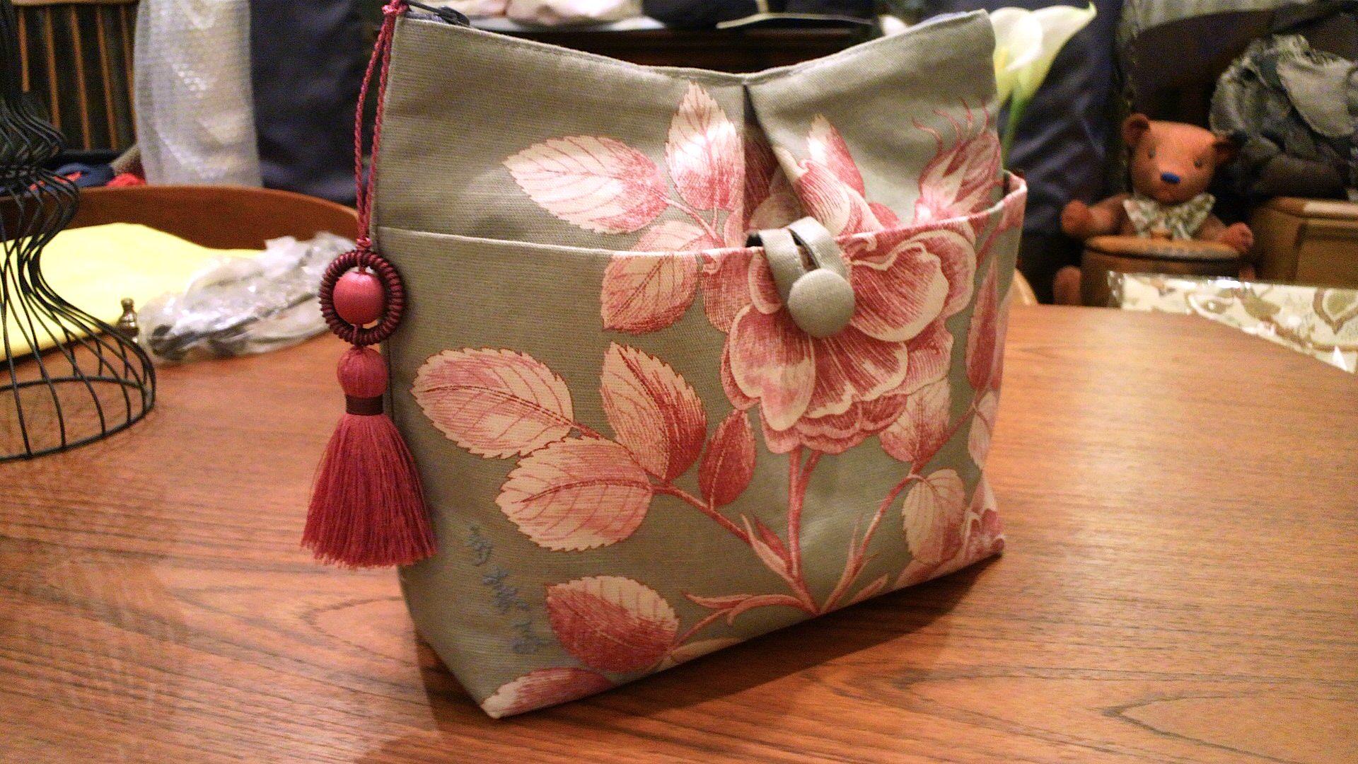 イギリス・「サンダーソン」のカーテン生地で作ったバッグ。_c0157866_15253827.jpg
