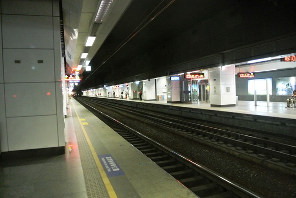 台湾MRTや台北鉄道事情_f0221707_17304065.jpg