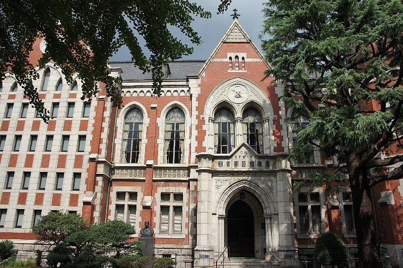 慶応義塾大学 図書館旧館_c0112559_12573892.jpg