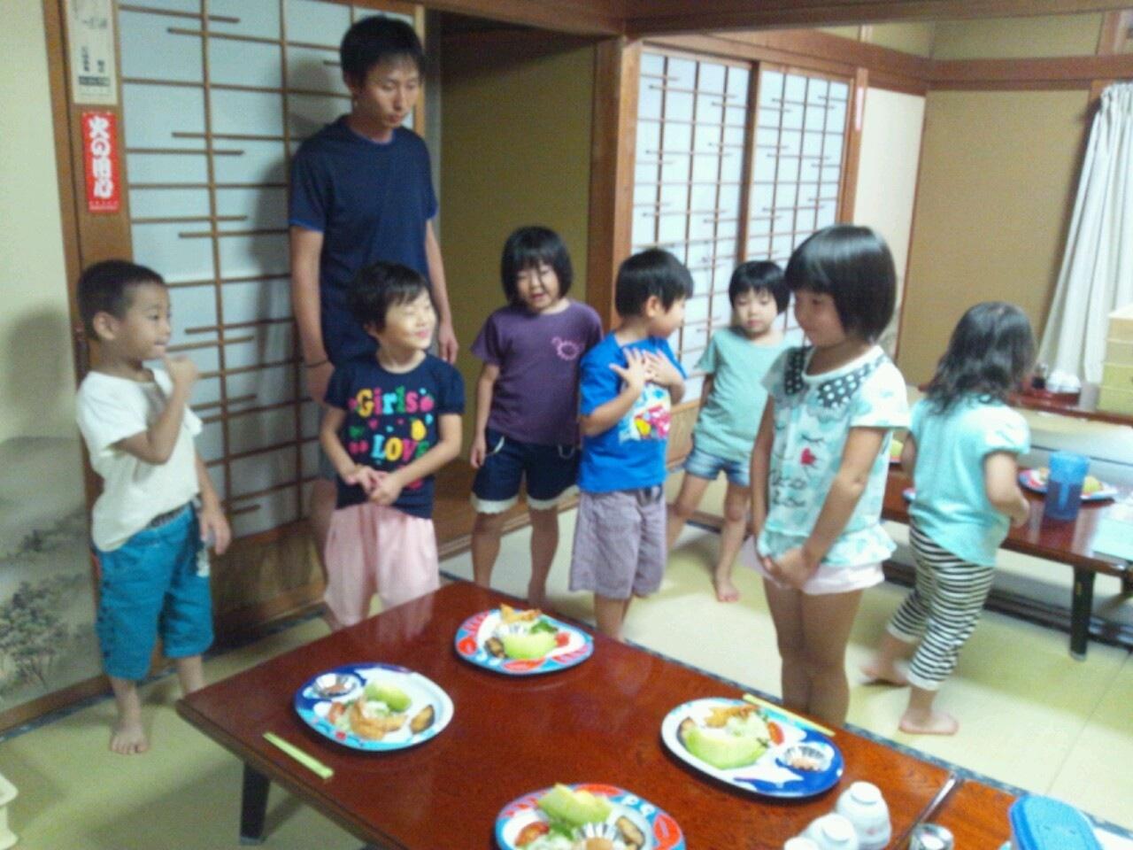 海合宿3 いまから晩御飯です♪_c0151262_19155572.jpg