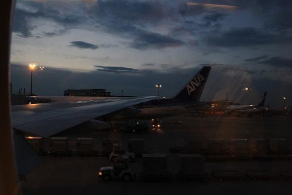 羽田から伊丹へ! 41便。_d0202264_2126429.jpg