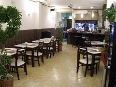 新しくレストラン・バーがオープンしました!_f0055803_15561972.jpg
