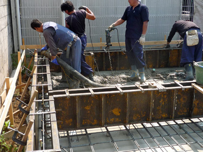 コンクリート打設です。_a0148909_17144616.jpg