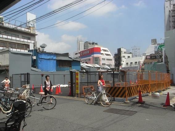 最近の下北沢駅周辺_c0016913_1625116.jpg
