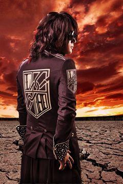 Linked Horizonが初週12.9万枚を売上げ、音楽チャート首位を席巻!_e0025035_1022343.jpg