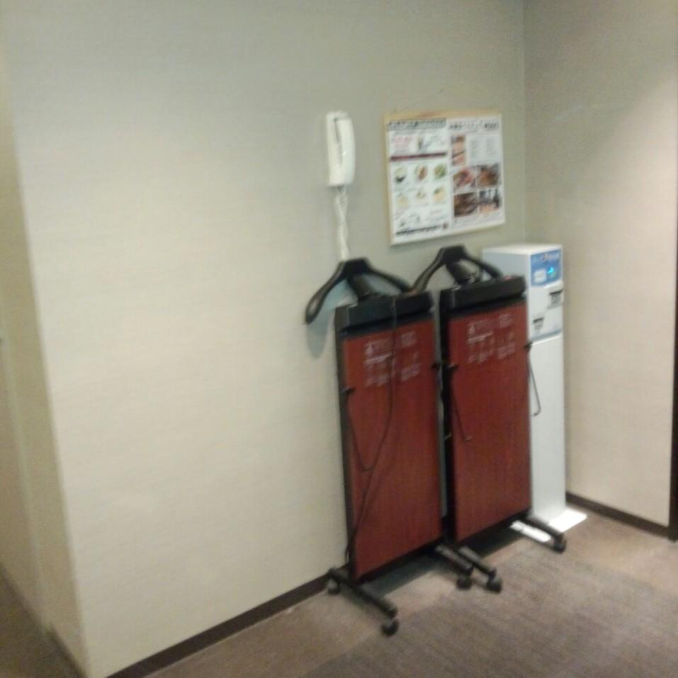 エレベーターホールをすっきりしました。_c0103137_14163646.jpg