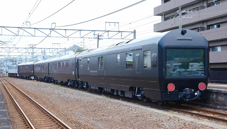 「ななつ星」客車甲種輸送_a0251146_20394696.jpg