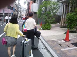 ついに中国客が戻って来た!?(ツアーバス路駐台数調査 2013年7月) _b0235153_1355615.jpg