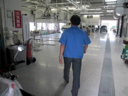 夏休みの宿題はおまかせ②「四国車体工業さん」_d0162564_184648.jpg