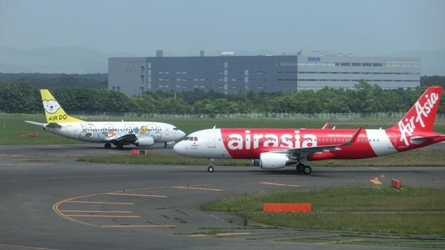 北海道観光と飛行機、沖縄観光と飛行機、地方活性化に飛行機が重要、格安飛行機が地域活性に寄与_d0181492_23571639.jpg