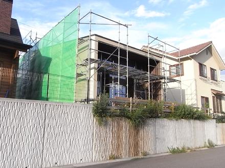 『公園の見える家』 板壁貼り上がる_e0197748_1049057.jpg