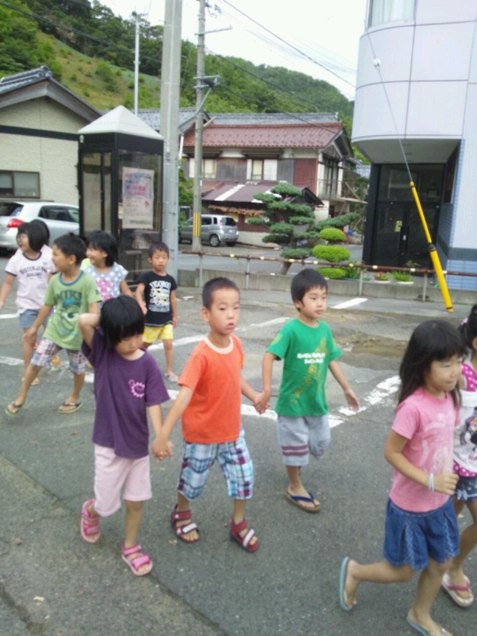 海合宿8 朝のお散歩_c0151262_8331653.jpg