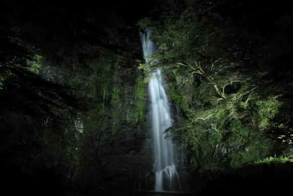 箕面大滝 ライトアップ_d0202264_5101645.jpg