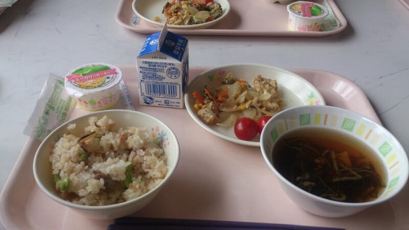 牧中学校で給食食べてきました。_d0182179_23124042.jpg