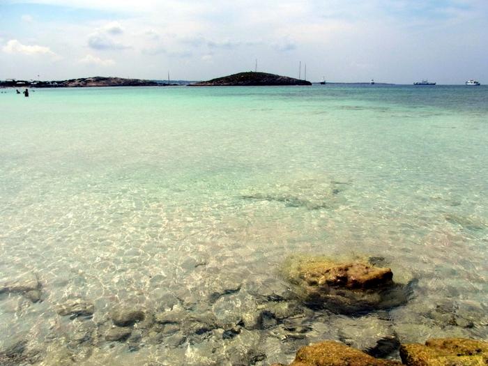 フォルメンテーラ島のビーチへ_d0116009_1001966.jpg