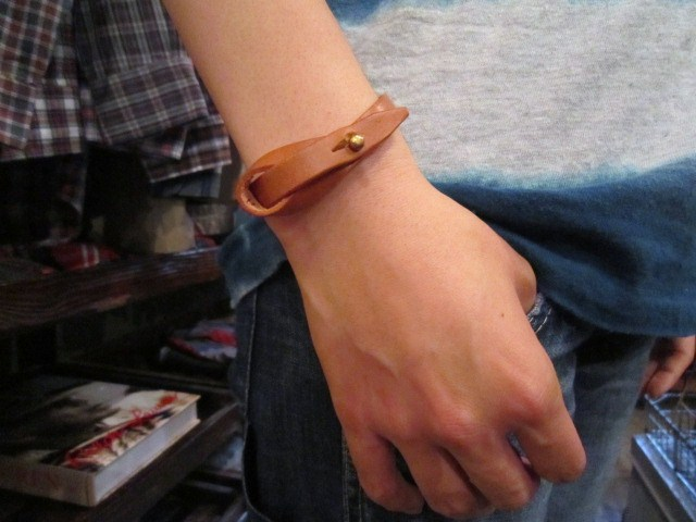 "BUTTON WORKS ""RIBBON BRACELET\"" ご紹介_f0191324_985272.jpg"