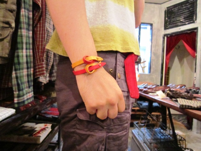 "BUTTON WORKS ""RIBBON BRACELET\"" ご紹介_f0191324_99196.jpg"