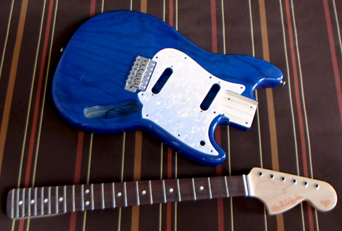 「See-Through BlueのPsychelone」の塗装が完了〜デス!_e0053731_1659504.jpg
