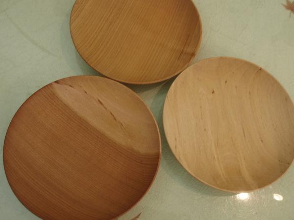 大崎麻生さんの木のお皿_b0132442_17514870.jpg