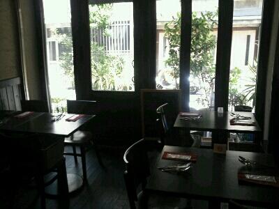 テーブルとイスとボクシング_f0187266_11213133.jpg