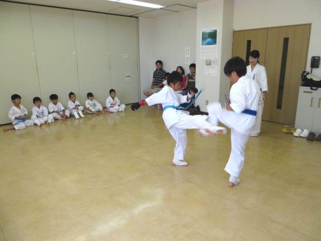 日曜空手 新琴似教室昇級審査会_c0118332_13494823.jpg
