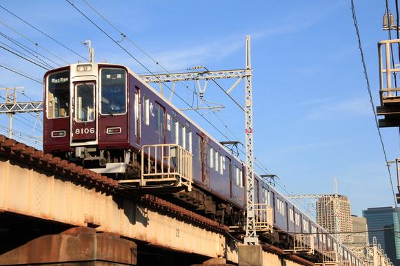 違う角度で阪急電車で見る_d0202264_546421.jpg
