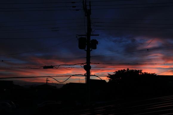阪急牧落駅の駅舎から・・_d0202264_5472657.jpg