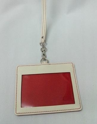 アイボリー×赤革のオリジナルIDケース_c0223001_15374469.jpg