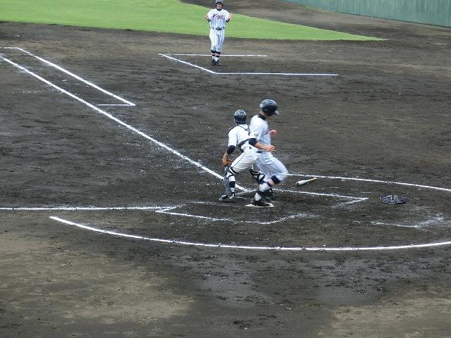富士市立は初戦に快勝 夏の高校野球県大会_f0141310_741551.jpg