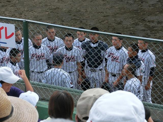 富士市立は初戦に快勝 夏の高校野球県大会_f0141310_7423868.jpg