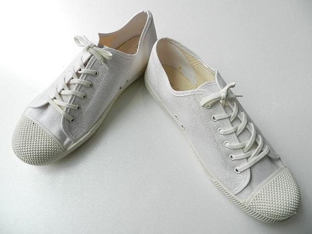 U.K army white canvas shoes size9 !!!!!_f0226051_12193584.jpg