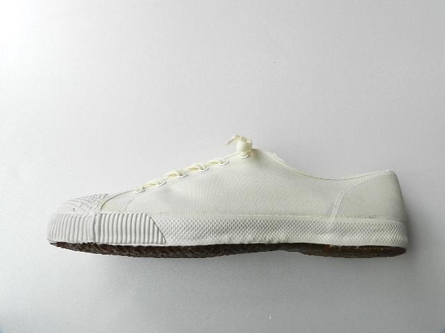 U.K army white canvas shoes size9 !!!!!_f0226051_12255100.jpg